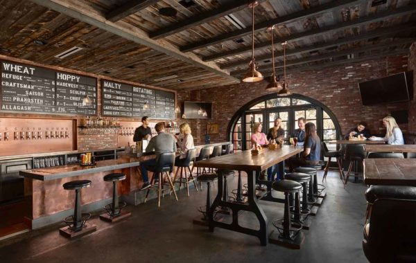 finney's-gallery-final-interior-people